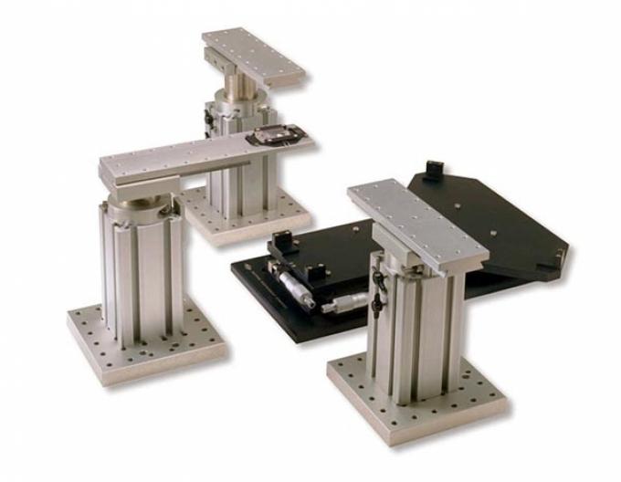 MT-1000/MT-2000/MT-2200 Systèmes de translation du microscope et 3 supports indépendants