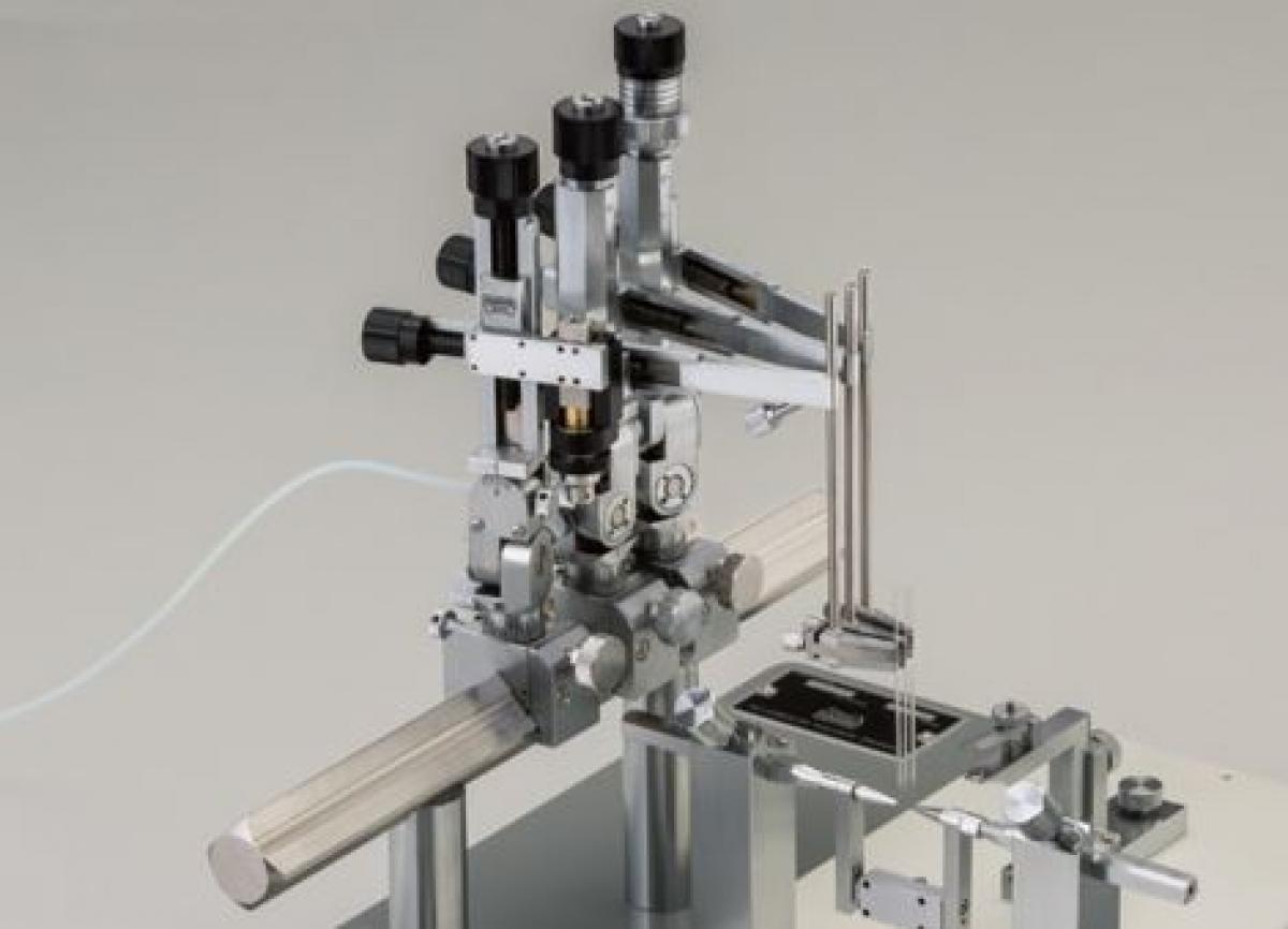 SM-25A Micromanipulateur stéréotaxique -2